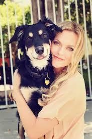 Elaine Hendrix with dog
